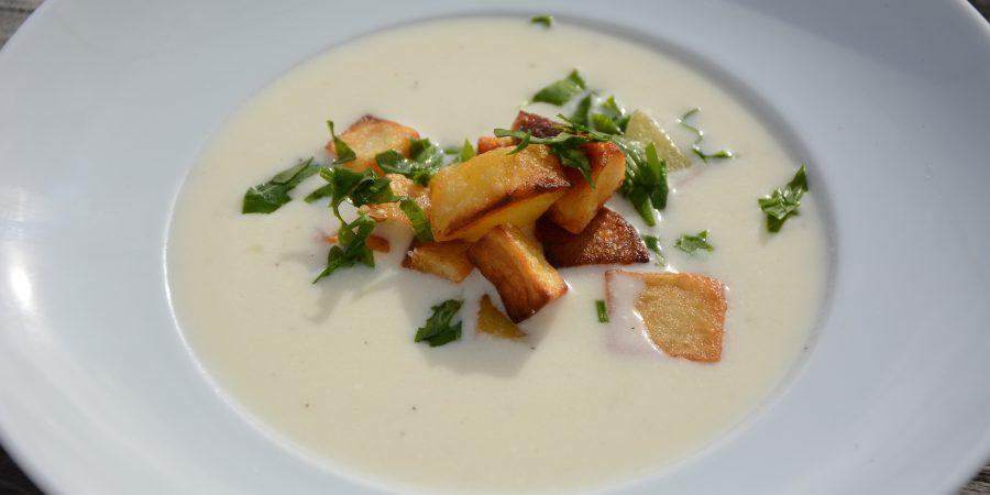 Herbstmilchsuppe mit Kartoffeln