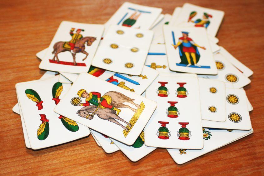 Carte napoletane Kartenspiel, Tradition